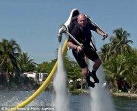 Полетать на реактивном водном ранце Jetlev-Flyer сможет каждый!